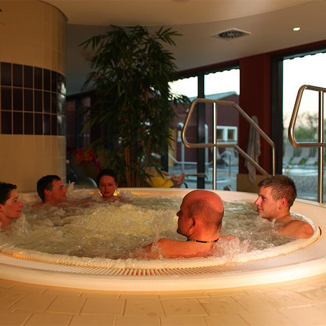 sauna innenbereich des sport und wellnessbades kelsterbach. Black Bedroom Furniture Sets. Home Design Ideas