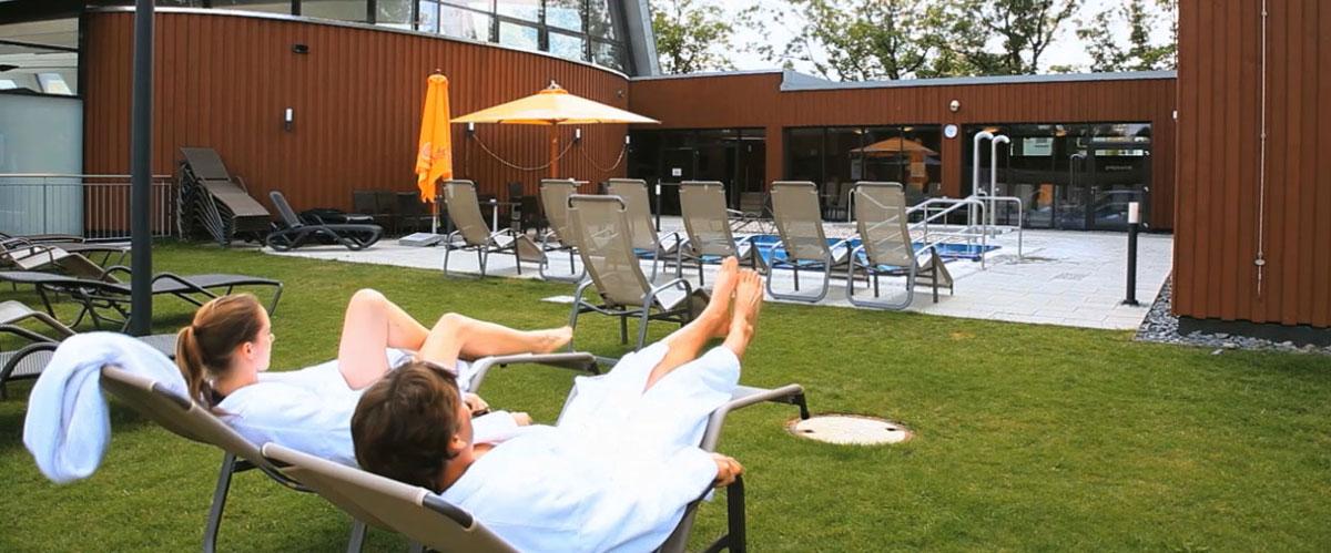 sauna au enbereich des sport und wellnessbades kelsterbach. Black Bedroom Furniture Sets. Home Design Ideas