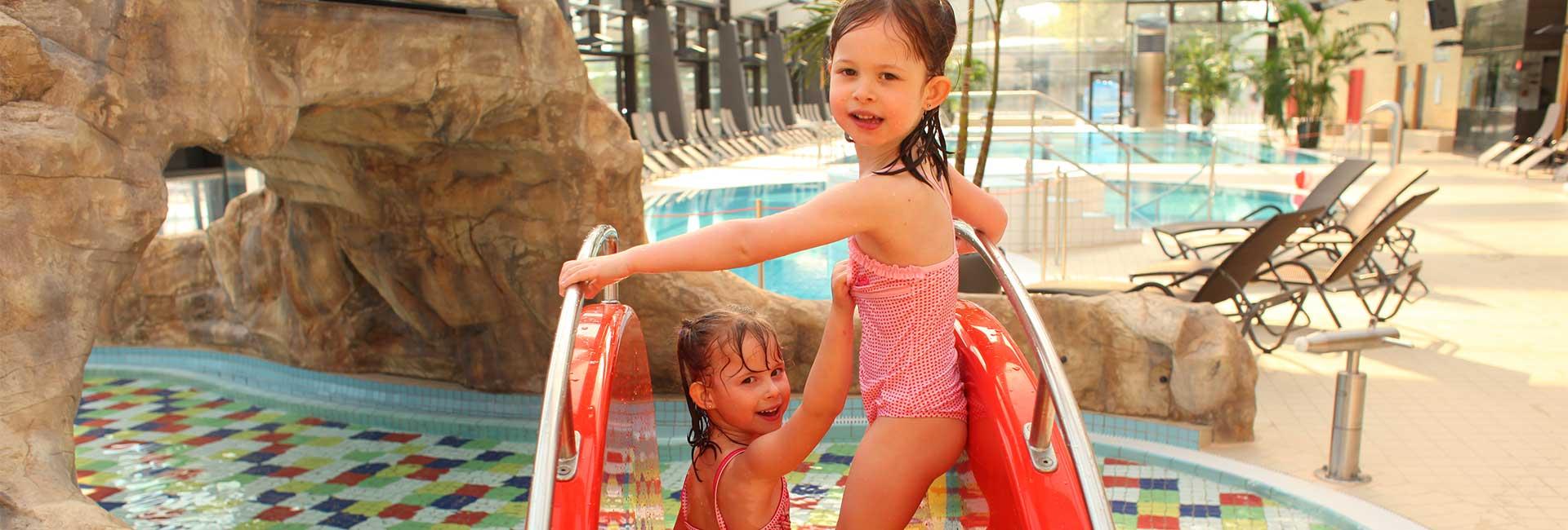 Sport- und Wellnessbad Kelsterbach - spielende Kinder